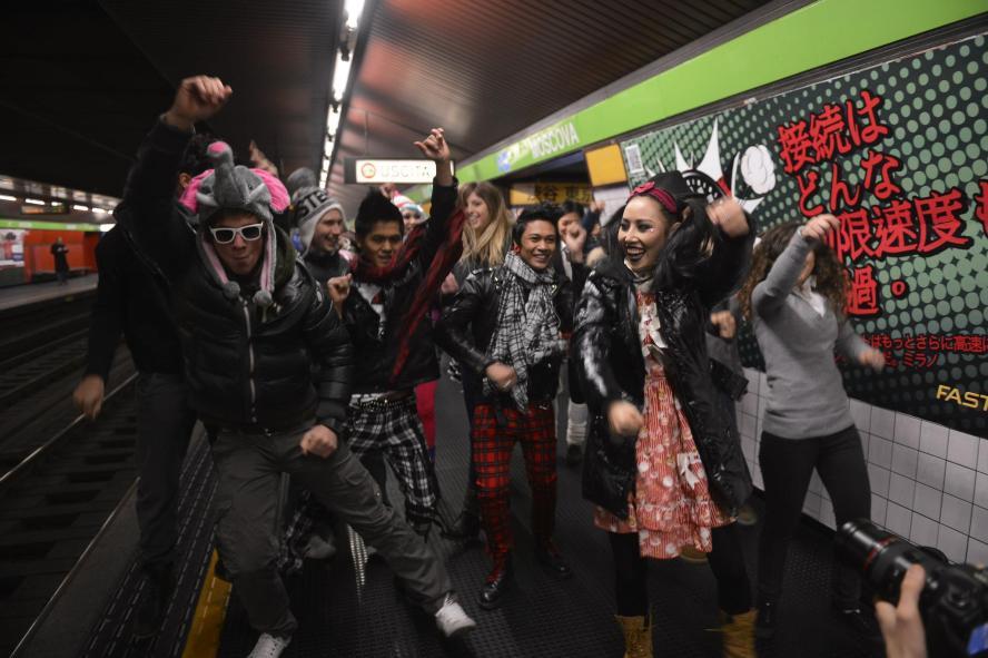 young, jeunes, metro, tokyo, japan, fashion, party