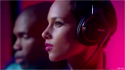placements produits - alicia keys girl on fire 01