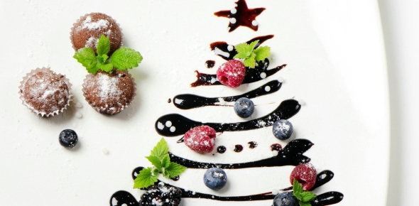 Christmas-Tree-Fruit-and-Chocolate