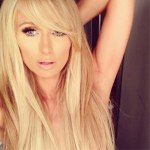 Paris Hilton - Selfie