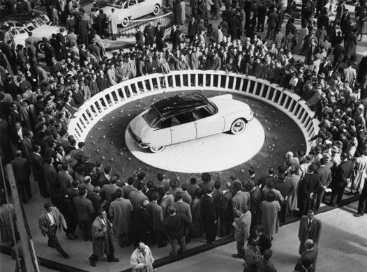 La citroen DS au salon de l'automobile de 1955