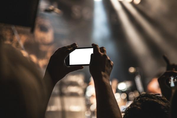 génération_smartphone-407108_1920